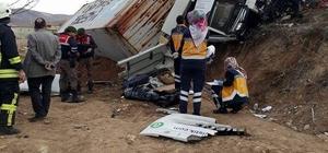 Kayseri'de tır devrildi: 1 ölü
