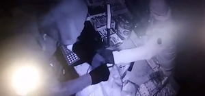 Marketten hırsızlık güvenlik kamerasında