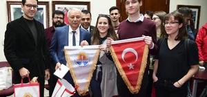 Uyuşturucuya savaş açan Avrupalı gençler Adana'da