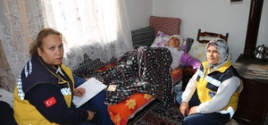 Burhaniye'de 'Yalnız Değilsiniz' ekibi işbaşında