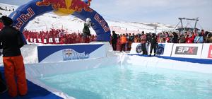 Erciyes'te buzlu havuza atlama yarışması