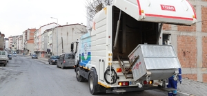 Arnavutköy'de çöp konteynırları dezenfekte ediliyor