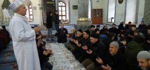 Sabah namazında 'Zeytin Dalı Harekatı' için dua