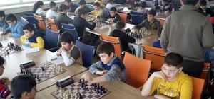 Erzincan'da satranç yıldızlar ve gençler takım turnuvası sona erdi