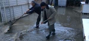 Adıyaman'da evleri yağmur suyu bastı