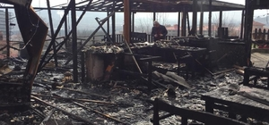 Çaycuma'da çıkan yangında restoran kullanılamaz hale geldi