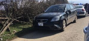 Otomobil yol kenarındaki çocuklara çarptı: 2 yaralı