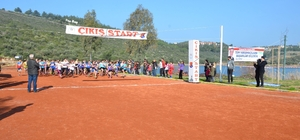 Okullararası kros grup yarışları Kuşadası'nda yapıldı