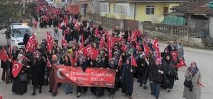 Başiskele'de kadınlar Mehmetçik için yürüdüler