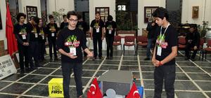 """Liseli gençler """"defans"""" robotu ile Çin'de yarışacak"""