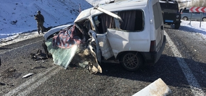 Muş'ta otobüs ile kamyonet çarpıştı: 2 ölü, 4 yaralı