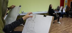 Kayapınar Belediyesi öğrencileri geleceğe hazırlıyor