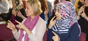 Aydın'da kamu çalışanları işaret dili öğreniyor