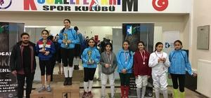 Minik sporcular, Eskrim Şenliği'nde kıyasıya yarıştı