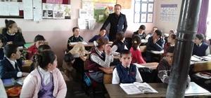 Müdür Kaya, bir günde 23 köy okulunu ziyaret etti