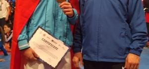 Kağıtsporlu Şenkuru bronz madalya kazandı