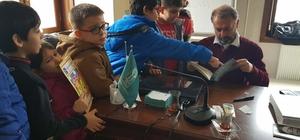 Sınıf öğretmenleri Çocuk Edebiyatı hakkında bilgilendiriliyor