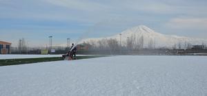 Doğubayazıt'ta karla mücadele çalışması