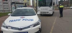 Trafik ekipleri halk otobüslerini denetledi