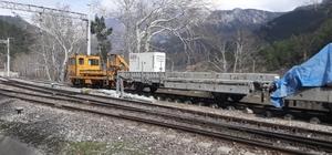 Adana'da demiryolu tünelinde iskele devrildi: 1 ölü, 2 yaralı