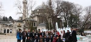 Avustralyalı Türk asıllı öğrenciler Eyüpsultan'ı gezdi