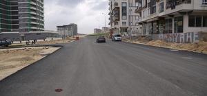 Seyrantepe'de yeni açılan yollar asfaltlanıyor