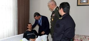 Kaymakam Ali Sırmalı Afrin'de yaralanan Mehmetçiği ziyaret etti