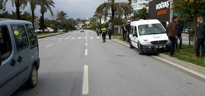 Motosikletle cezaevi aracı çarpıştı: 1 yaralı