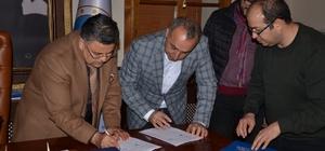'15 Temmuz Demokrasi ve Milli Birlik Meydanı' için imzalar atıldı