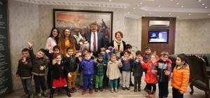 Minik öğrenciler belediyeyi ziyaret etti