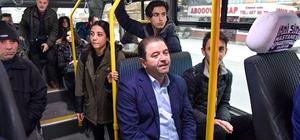 Belediye başkanı minibüsle makamına gitti