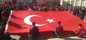 Öğrencilerden Mehmetçiğe destek programı