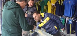 Fenerbahçe'nin lisanslı ürünleri Tavşanlı'da