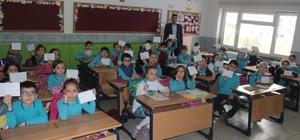 Öğrenciler harçlıklarını Mehmetçik Vakfı için biriktirdi