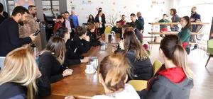 Beşiktaş Kadın Basketbol Takımı, Down Kafeyi ziyaret etti