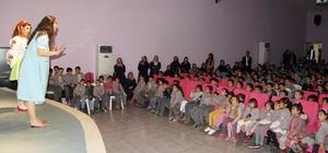 Tunceli'de çocuklar tiyatro ile buluştu