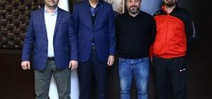 Salihli Belediyespor'dan TVF Başkanı Üstündağ'a ziyaret