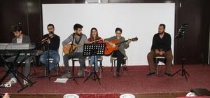 Şemdinli'de öğrencilere moral konseri düzenlendi