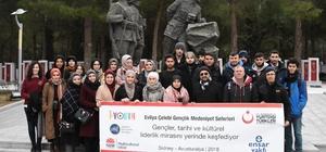 Avustralya'daki Türkler, şehitlikleri ziyaret etti