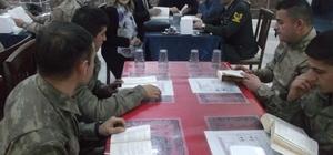 Protokolden Jandarma Komutanlığında kitap okuma etkinliği