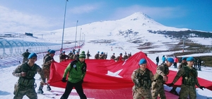 Sivas'ta komandolara kayak eğitimi