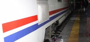Trenin çarptığı bisikletli genç öldü