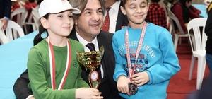 Beyoğlu Okullar Arası Satranç Turnuvası'nın galipleri belli oldu