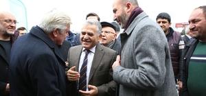 Başkan Büyükkılıç ve ekibi Nakliyeciler Sitesi esnafı ile birlikte