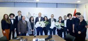 Genç müzisyenlerden Başkan Taşdelen'e sürpriz