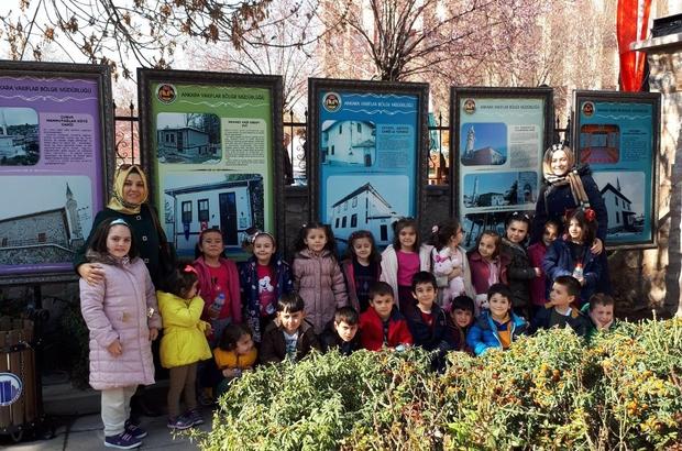 Nezaket Okulu öğrencileri Mehmet Akif'in evini ziyaret etti