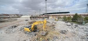 Konya eski stadyumda yıkım başladı