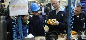 Geleceğin girişimcileri Simurglu çocuklardan fabrika ziyareti