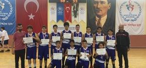 Osmaniye kız ve erkek basketbol takımları yarı finalde