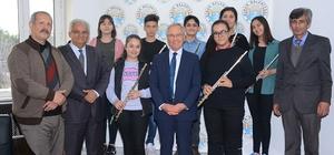 Yan Flüt kursiyerlerinden Başkan Acar'a ziyaret